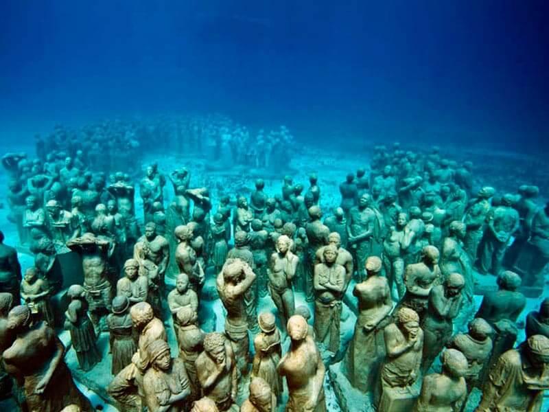 Museu subaquático MUSA em Cancún