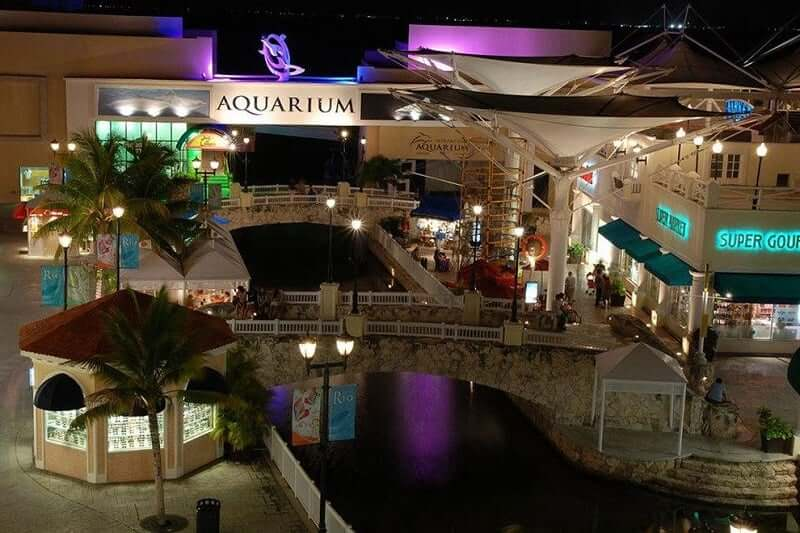 Shopping La Isla para comprar calçados em Cancún