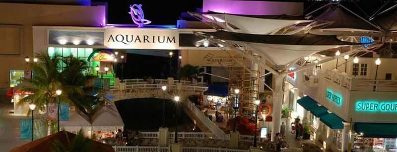 Entretenimento para os visitantes no Shopping La Isla em Cancún