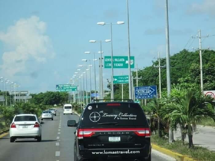 Transportes na Avenida Tulum em Cancún