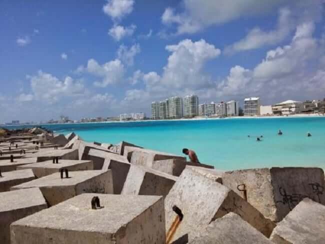 Estrutura da praia Chac Mool em Cancún