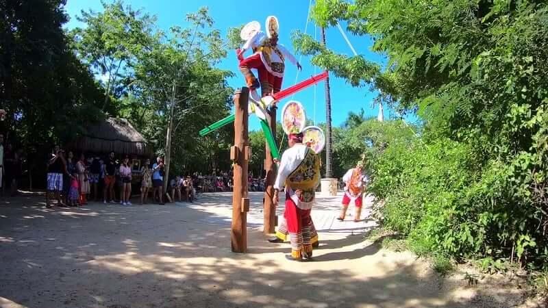 Principais atrações do Parque Xcaret em Cancún: Performances